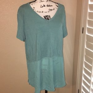 Light/dark mint colored tunic top